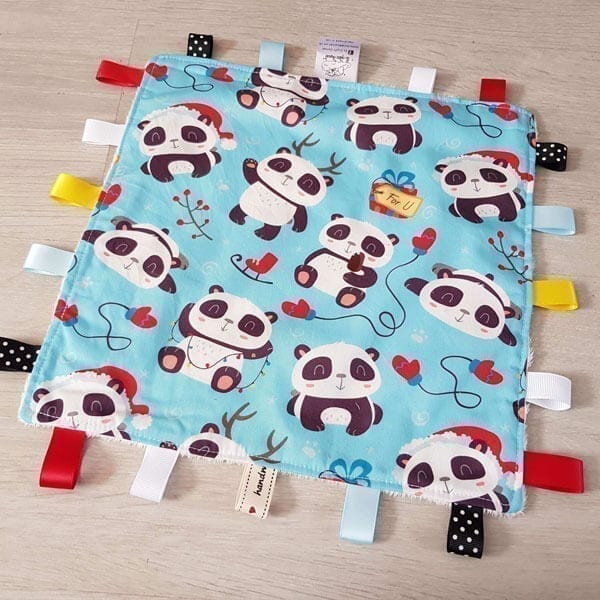 Pandas taggie blanket