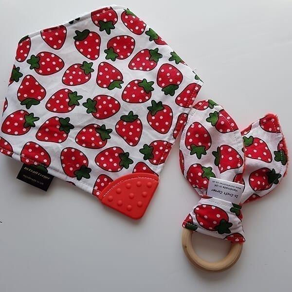 Strawberries teething bib & teething ring