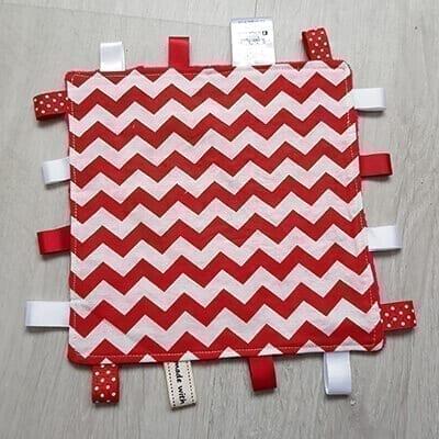 Red chevron regular taggie blanket