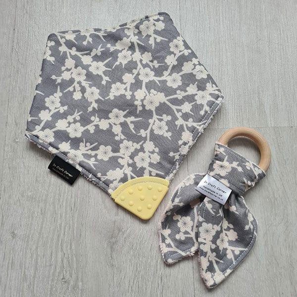 grey flowers teething bundle