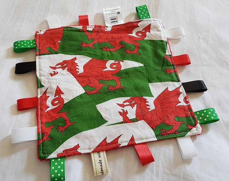 Welsh flag taggie blanket